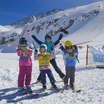 Lodowiec Stubai – 9 powodów, dla których warto przyjechać tu z dziećmi na narty