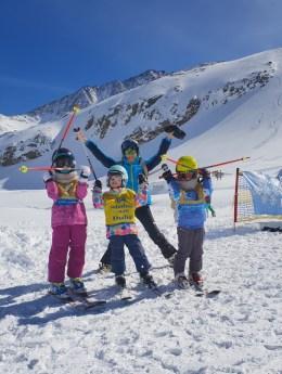 Stubaier Gletscher dzieci na lodowcu