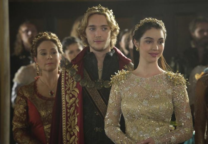 Reign - 35 Period Dramas to Watch on Netflix