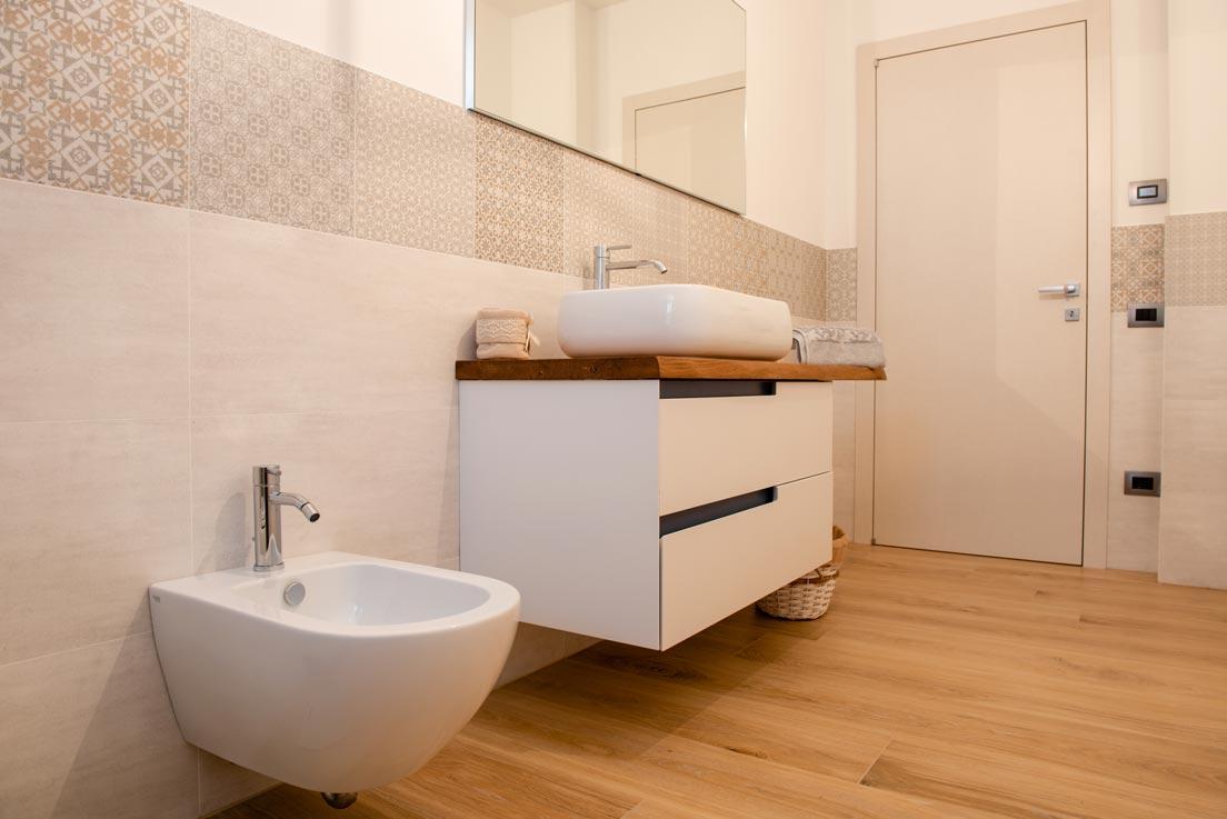 A casa di Giorgia e Filippo Fornitura e posa di pavimenti rivestimenti e arredo bagno