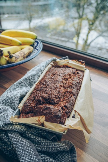banana-walnut-bread-13