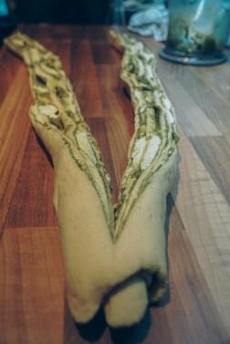 pesto-mozzarella-garlic-bread-08