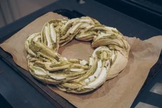 pesto-mozzarella-garlic-bread-11