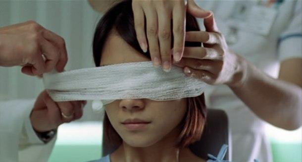 Gin gwai (The eye, 2002)