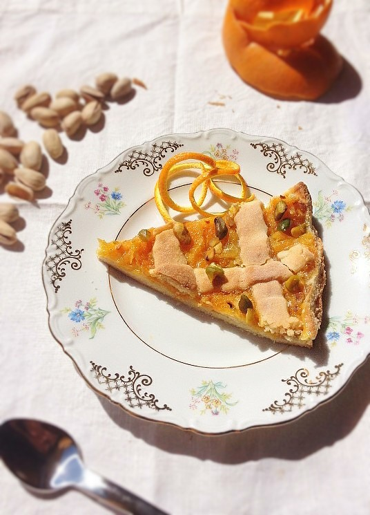 Una crostata all'arancia e pistacchio. E vi racconto un po' di Sardegna.