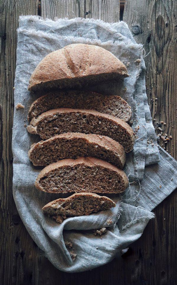Pane con il grano tenero e una lievitazione con il Poolish