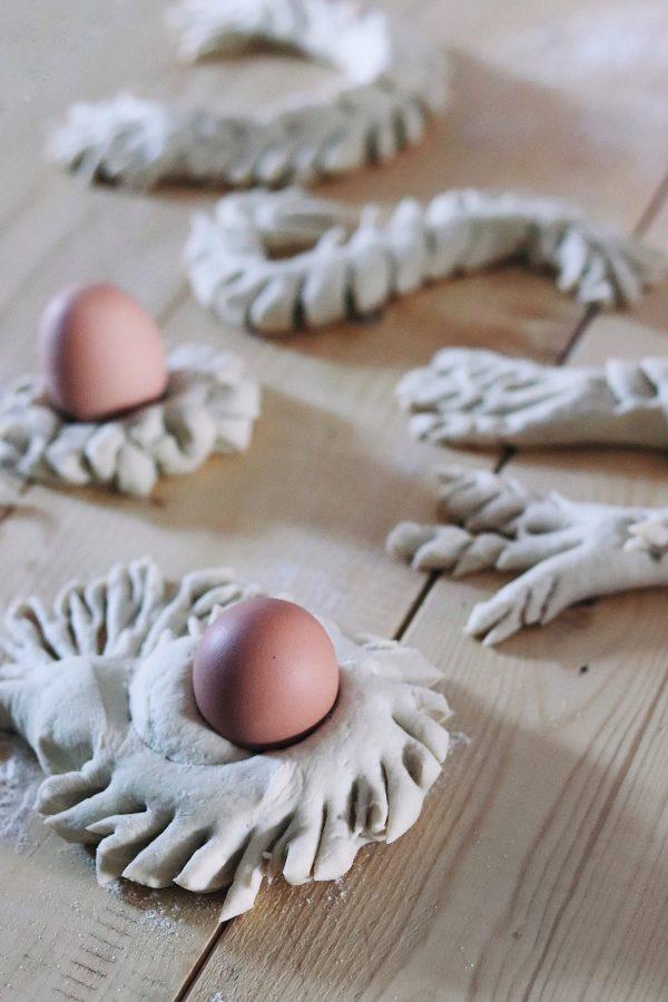 Il pane della Pasqua in Sardegna: su coccoi cun s'ou.