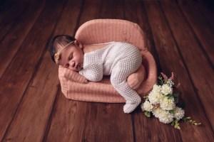 Fotografía de recién nacido en ibiza fotógrafo de recién nacido en eivissa newborn photography fotógrafo infantil en ibiza estudio de fotografía photography studio eivissa