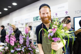 beard, florist, hipster, flowers, bouquet, shop, store, opening, Corporate, event, summit, fair, congress, conference, speech, talk, presentation, Photographer, fotografo, photography, Italy, Italia, UK, Europe, Milan, Milano, Florence, Firenze, Rome, Roma, London, Paris, Barcelona, Madrid, Berlin