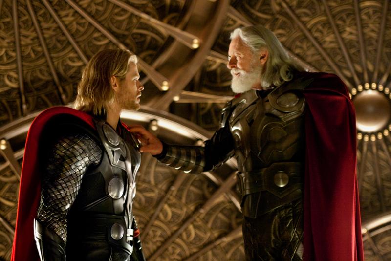 Thor mit Brustpanzer