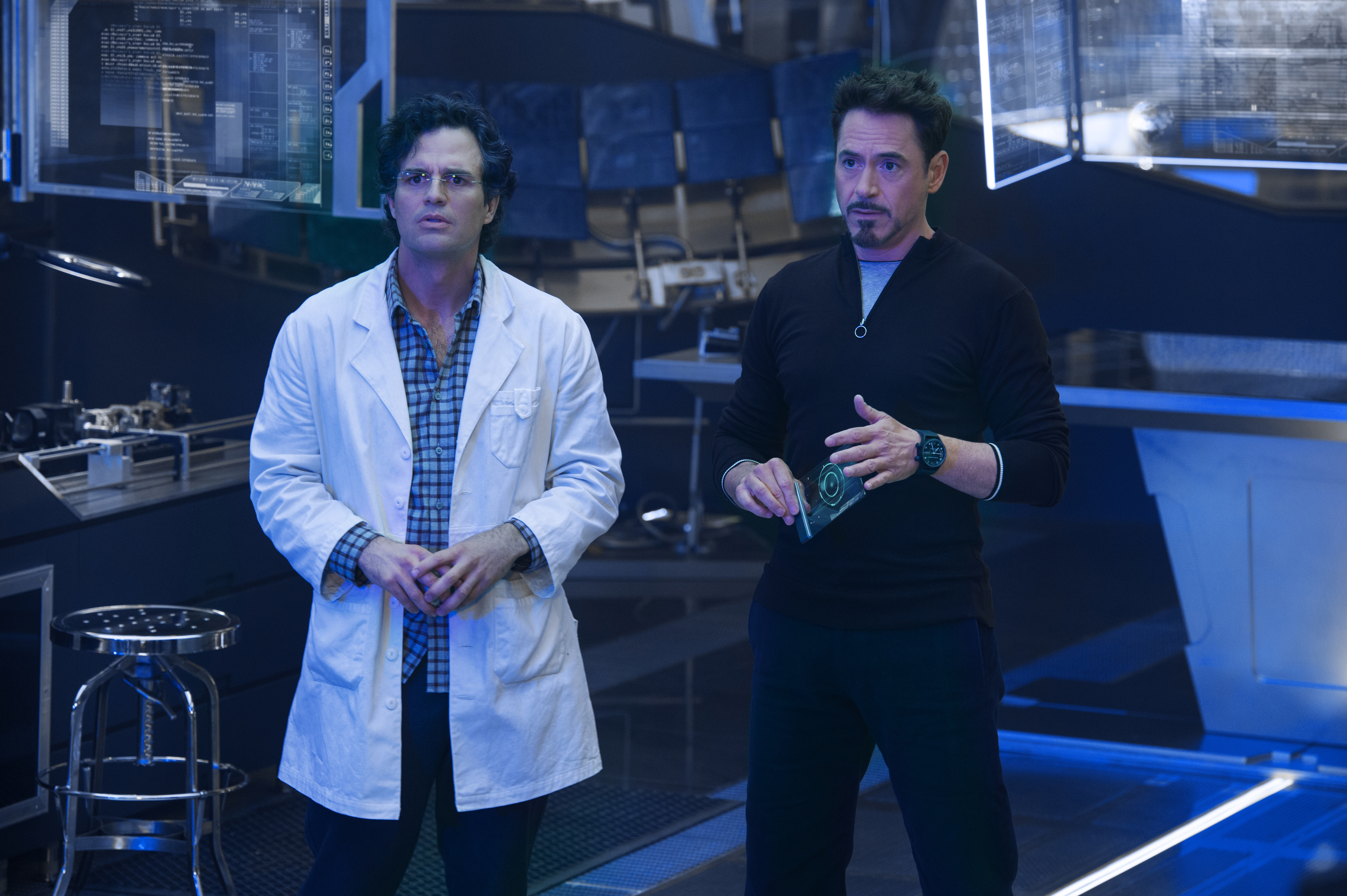 Avengers - Age Of Ultron - Szenen - 05 Bruce Banner (Mark Ruffalo), Tony Stark (Robert Downey Jr.)-3