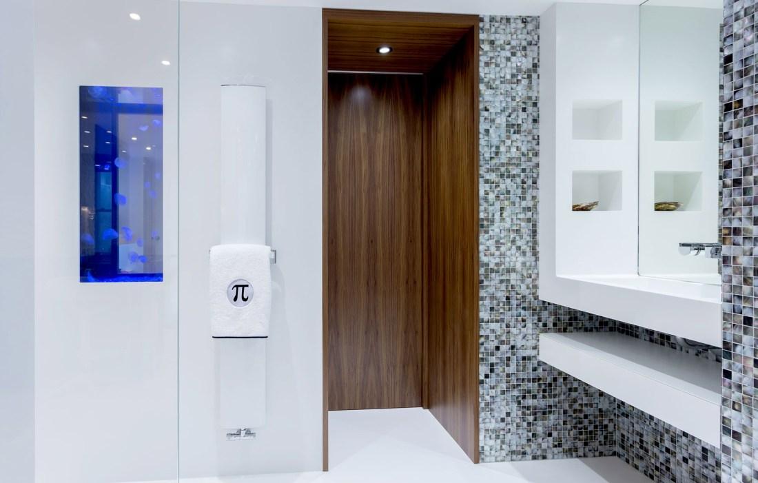 Midnight Pearl 25mm Bathroom