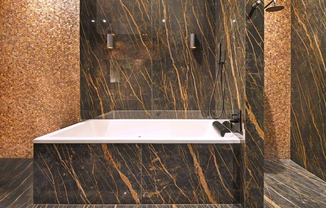 Luxury bath with Gentle Earth Hexagon mosaic tiles