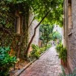 {Trey USA San Antonio walk – alley way}