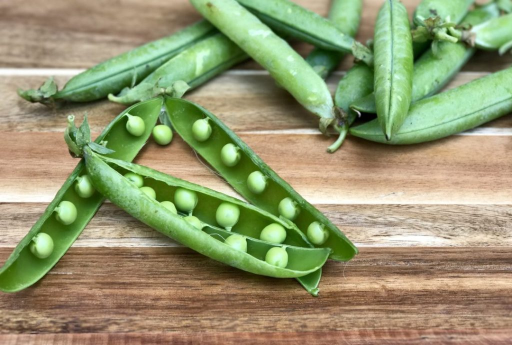 fresh summer peas with mint yogurt