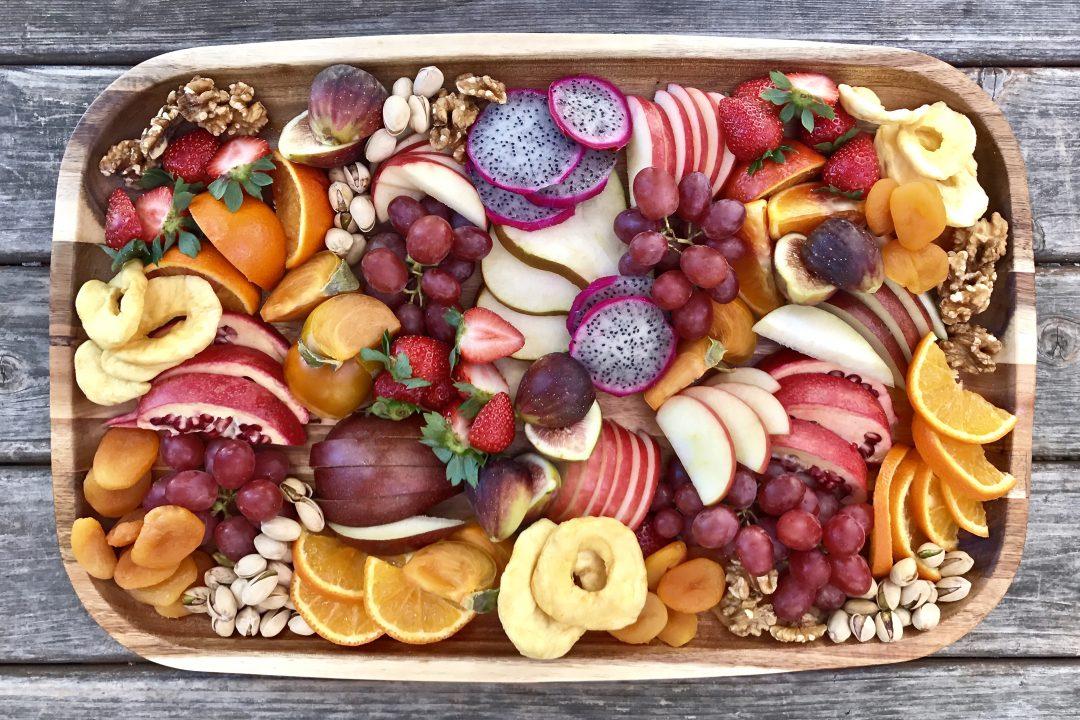 How To Make An Irresistible Winter Fruit Platter