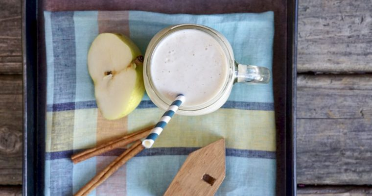 Pear-Oat Almond Smoothie