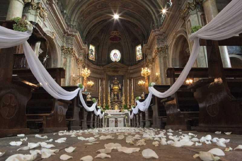 Allestimento floreale Chiesa di S. Martino - PH S. Ierace