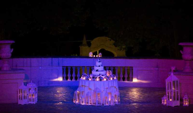 Wedding Cake sulla balconata di Villa Bria - PH M. Sica: