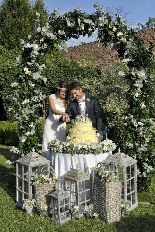 Wedding Cake alla Tenuta la Cascinetta - PH artisticsweddings: