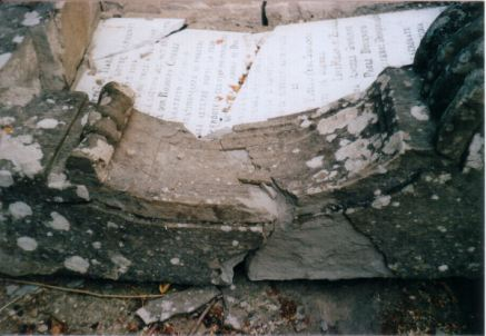 monumento-caduti-prima-2537b27e7b5396.jpg