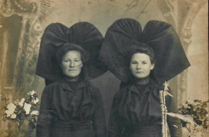 Marie-Barbe et Thérèse Krantz grand-mère