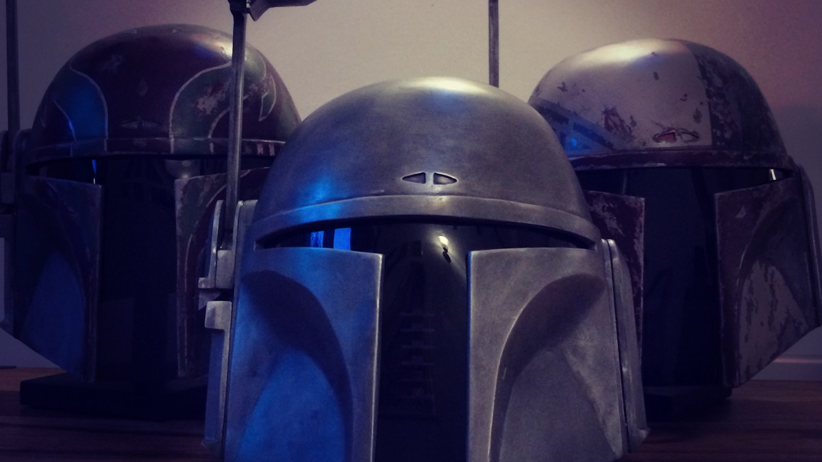 Assembling Your Mandalorian Helmet Kit