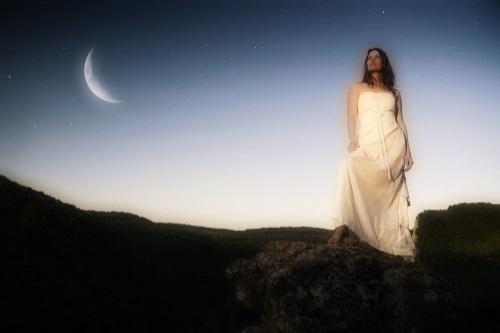 Simpatia da lua nova para atrair prosperidade financeira