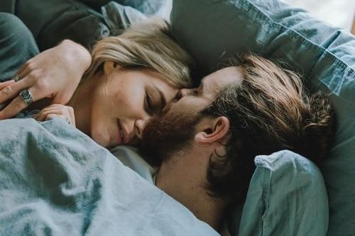 Simpatia para uma noite de amor inesquecível