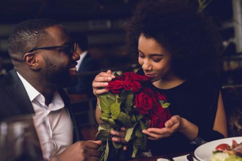 Simpatia para conquistar um namorado ou namorada