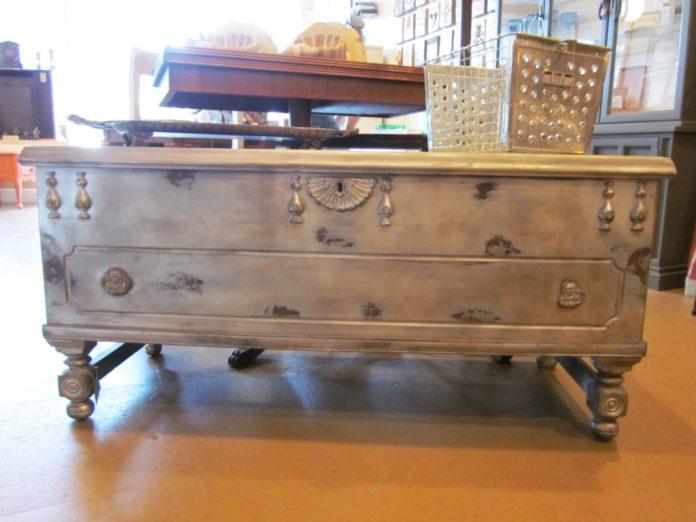 4 wooden trunk via simphome com