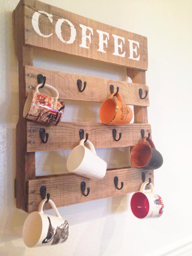pallet coffee holder