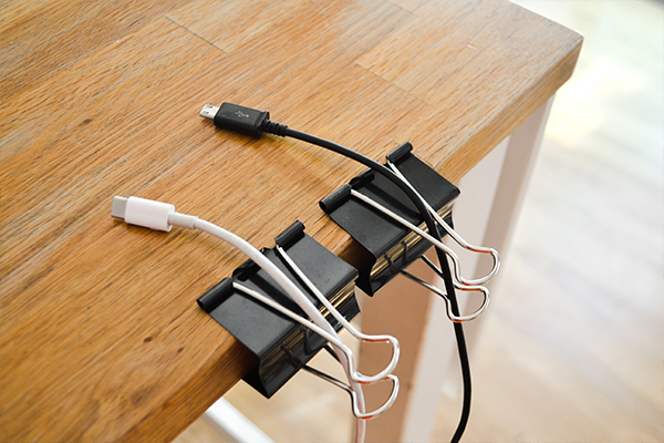 simphome charger and clip
