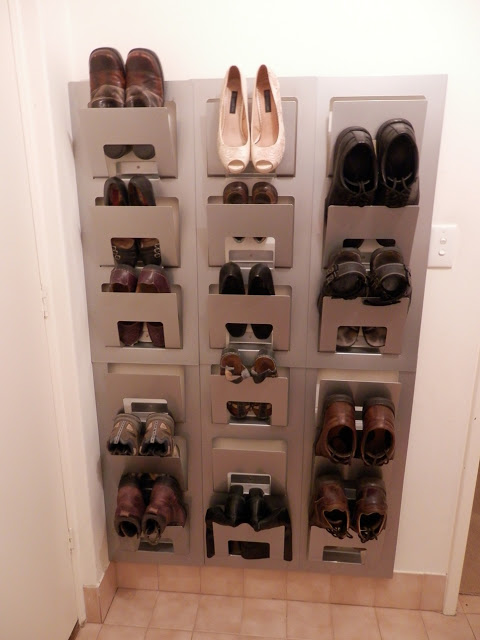 36 Another ingenious way to store shoes via simphome
