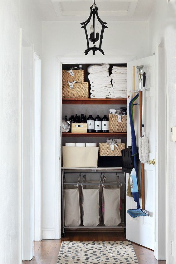 How to get Perfect Linen Closet via simphome 1