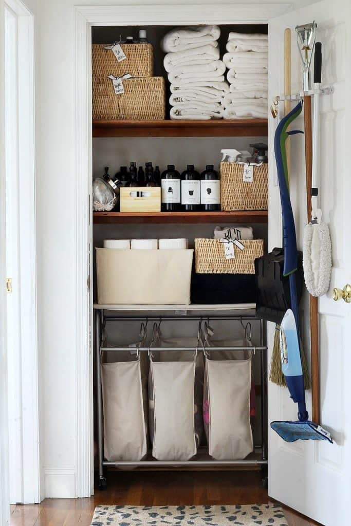 This is 5 Steps to get Perfect Linen Closets via simphome 3
