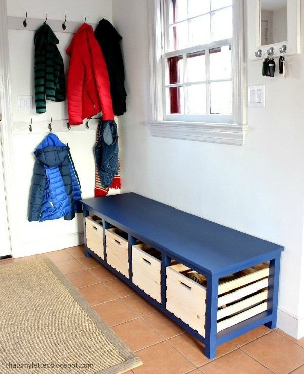 10 Shoe Bench with Four Crates via simphome