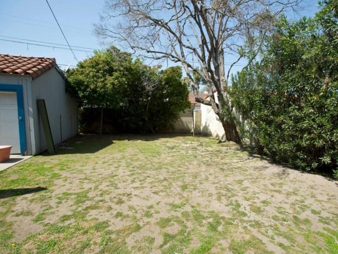 2 Bland Backyard to Outdoor Entertaining Area via Simphome before