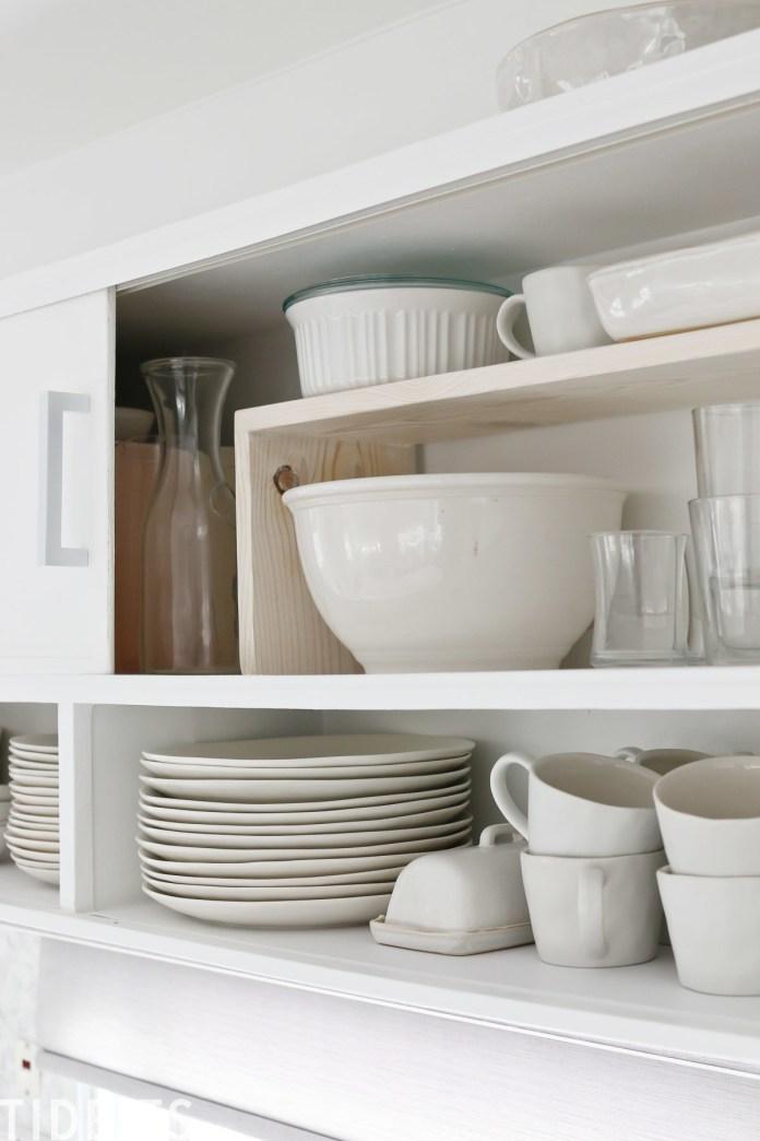 3 DIY Shelf Risers via Simphome