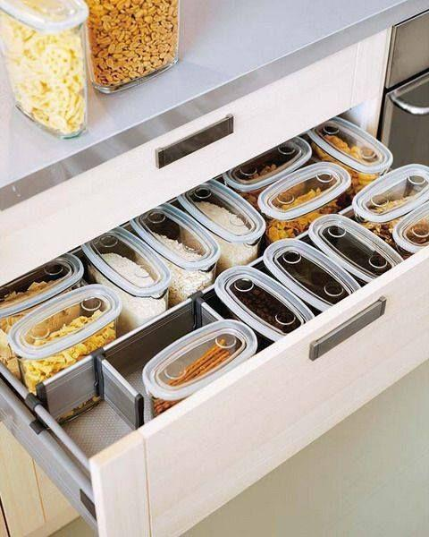 8 Plastic Containers for your kitchen drawer via Simphome 2