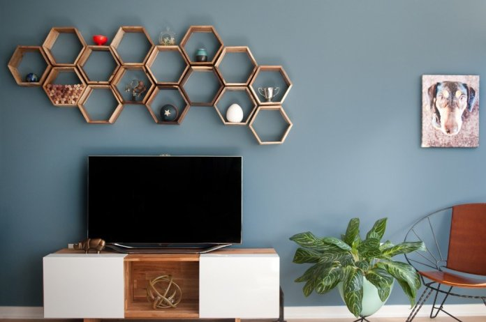 8 Invest in Minimalist Wall Mounted Shelves via Simphome