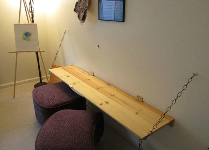 2. Simple Foldable Desk via Simphome
