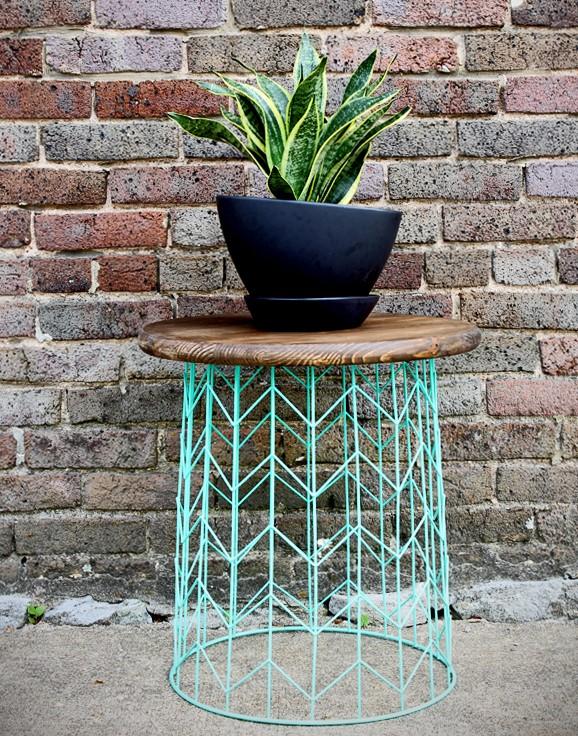1.SIMPHOME.COM A Wire Basket Side Table