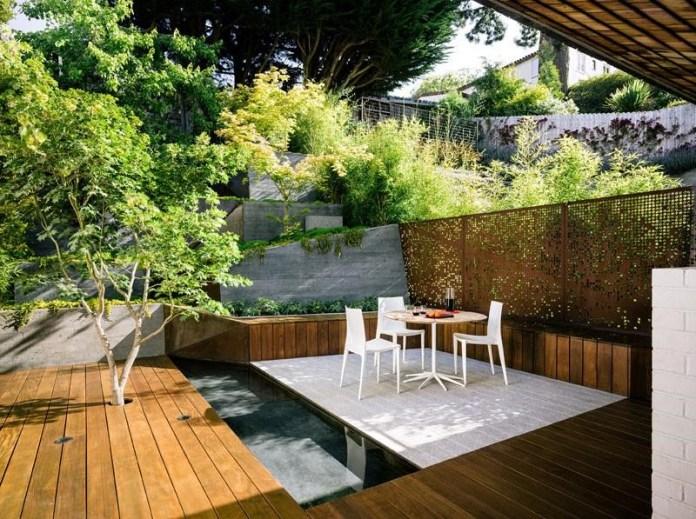 10.SIMPHOME.COM 10 Ideas how to make backyard privacy landscaping Cascading Landscape