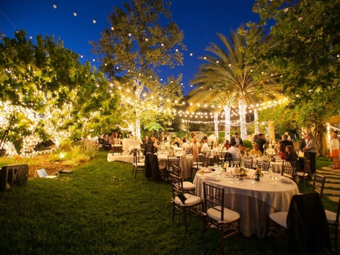 21.SIMPHOME.COM ideas A stunning backyard wedding decorations night