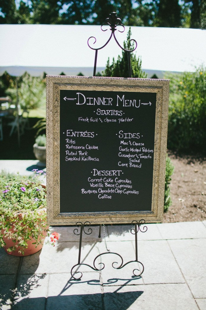 23.SIMPHOME.COM A relaxed backyard bbq wedding megan tom wedding decor 2019