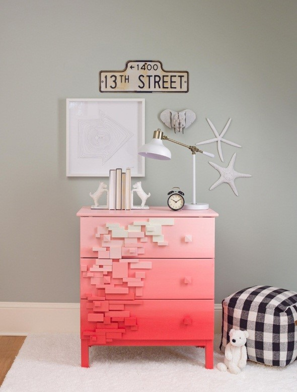 5. SIMPHOME.COM Ombre Color Gives Your Chest of Drawers a Facelift
