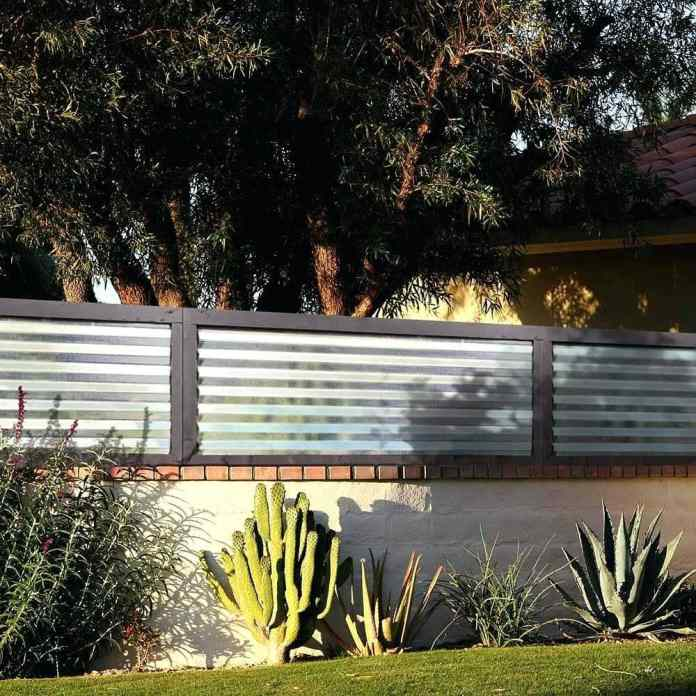 2.Simphome.com Corrugated Metal Fence