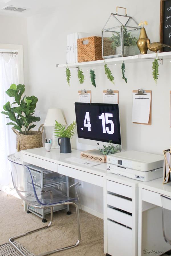 5.Simphome.com A Single Shelf is just enough 1