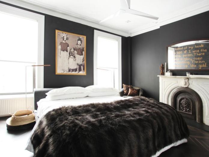 6.Simphome.com Go Bold with Black